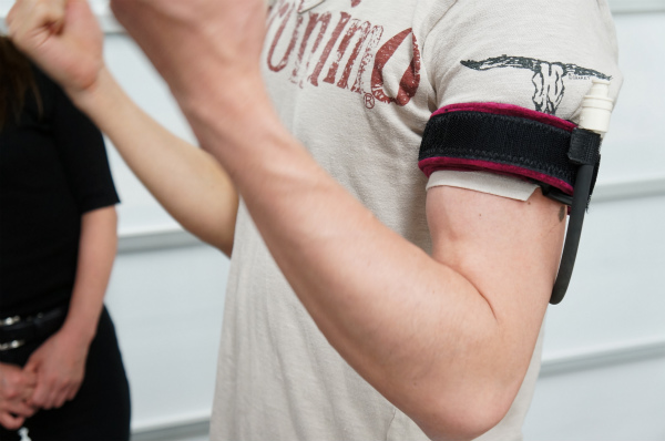 加圧トレーニング体験(腕):プロが教える!眼精疲労・肩こり改善イベント 〜加圧トレーニング体験付き〜